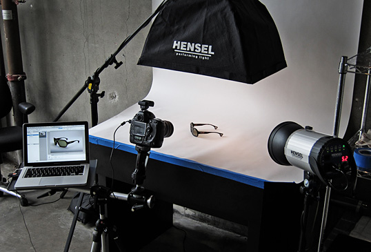 Media studio, studio spécialisé en photographie, vidéo corporative, drone, tapis rouge, événements spéciaux, studios mobiles, stratégie réseaux sociaux.